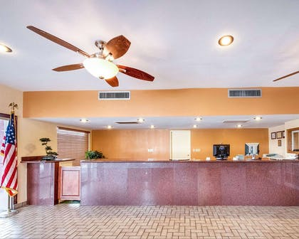 Front desk with friendly staff | Rodeway Inn And Suites Flagstaff