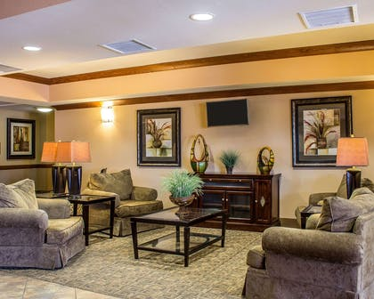 Lobby with sitting area | Comfort Inn & Suites Thatcher - Safford