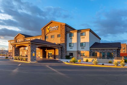 Hotel exterior | Comfort Inn & Suites Page at Lake Powell