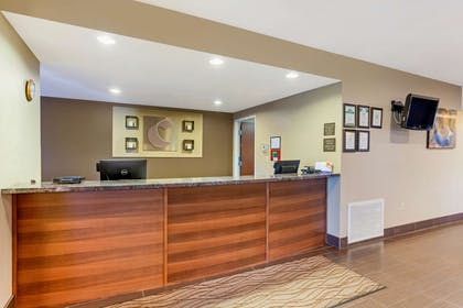 Front desk | Comfort Inn & Suites Page at Lake Powell