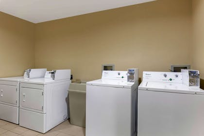 Guest laundry facilities | Comfort Inn & Suites Page at Lake Powell