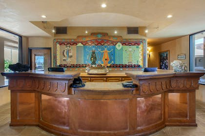 Front desk with friendly staff | La Posada Lodge & Casitas, an Ascend Hotel Collection Member