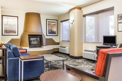 Spacious lobby with sitting area | Comfort Suites Old Town Scottsdale