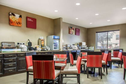 Spacious breakfast area | Comfort Suites Old Town Scottsdale