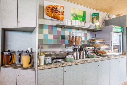 Free deluxe continental breakfast   Quality Inn & Suites Hermosa Beach