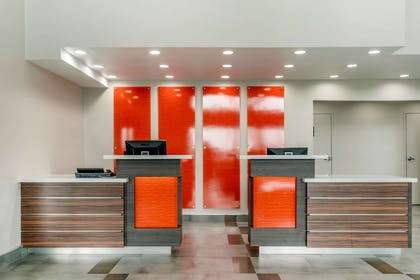 Front desk   Quality Inn And Suites