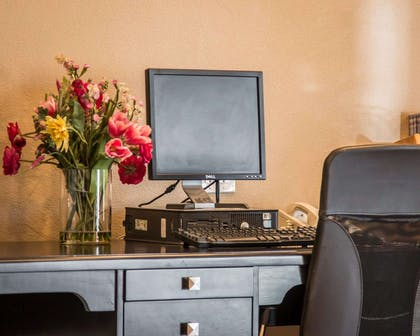 Business center with free wireless Internet access | Comfort Inn & Suites Huntington Beach