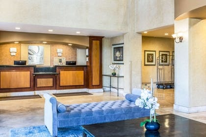 Spacious lobby with sitting area | Quality Suites San Diego SeaWorld Area