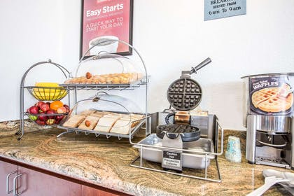 Free deluxe continental breakfast | Econo Lodge Inn & Suites near China Lake Naval Station