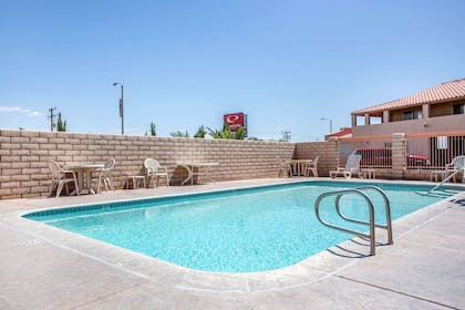 Outdoor pool | Econo Lodge Inn & Suites near China Lake Naval Station