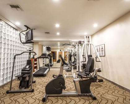 Fitness center | Comfort Inn & Suites Oakland
