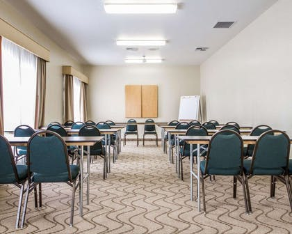 Meeting room | Comfort Inn & Suites Oakland
