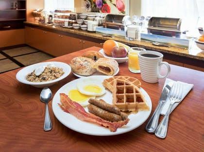 Assorted breakfast items | Comfort Inn & Suites Oakland