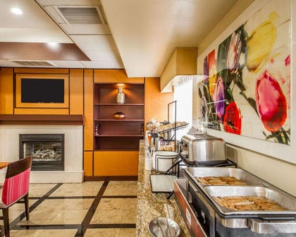 Hot and cold breakfast buffet | Comfort Inn & Suites Oakland