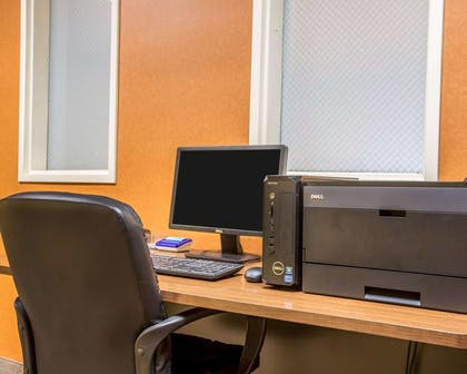 Business center with high-speed Internet access | Comfort Suites Oceanside Camp Pendleton Area