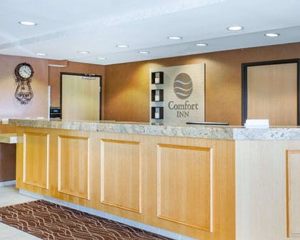 Front desk with friendly staff | Comfort Inn Marina