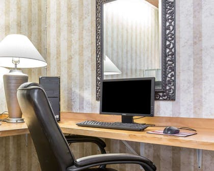 Business center with free wireless Internet access | Comfort Suites Palm Desert I-10