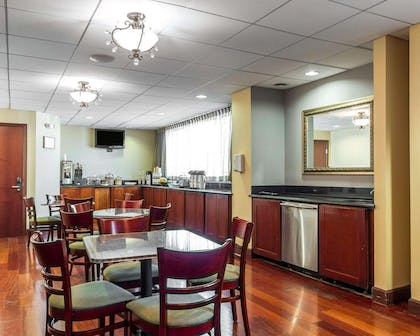 Free deluxe continental breakfast   Villa Montes Hotel, an Ascend Hotel Collection Member