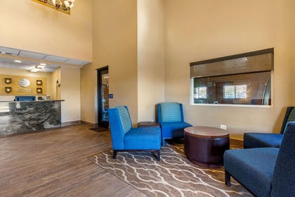 Hotel lobby | Comfort Inn & Suites Murrieta Temecula Wine Country