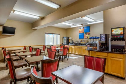 Breakfast area | Comfort Inn & Suites Murrieta Temecula Wine Country
