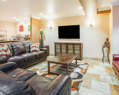 Spacious room with flat-screen television   Comfort Inn & Suites of Salinas