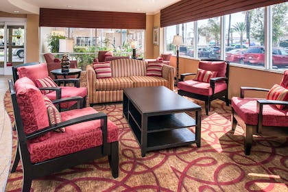 Spacious lobby with sitting area   Comfort Suites Ontario Convention Center