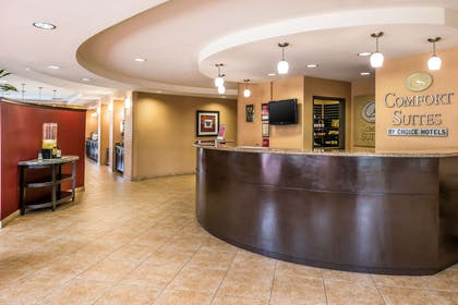 Front desk with friendly staff   Comfort Suites Ontario Convention Center