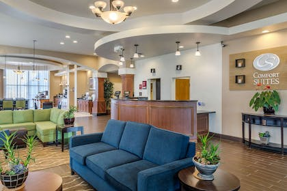Hotel lobby   Comfort Suites Barstow near I-15