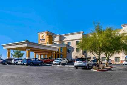 Hotel exterior   Comfort Suites Barstow near I-15