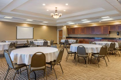 Meeting room   Comfort Suites Barstow near I-15