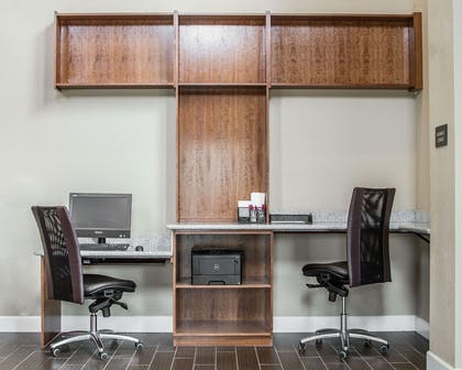Business center with high-speed Internet access | Comfort Suites Woodland - Sacramento Airport