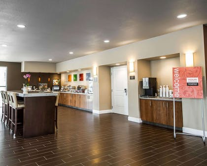 Breakfast area in the lobby | Comfort Suites Woodland - Sacramento Airport