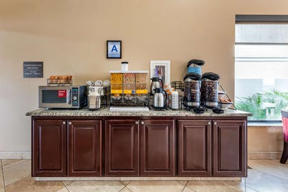 Breakfast counter | Comfort Inn And Suites Colton
