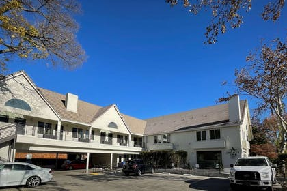 Hotel exterior | Aggie Inn, an Ascend Hotel Collection Member
