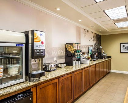 Hot and cold breakfast buffet | Hotel Med Park, an Ascend Hotel Collection Member