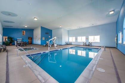 Indoor pool | Quality Inn