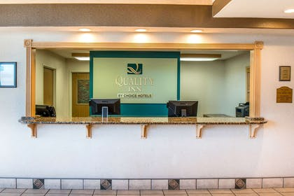 Front desk | Quality Inn