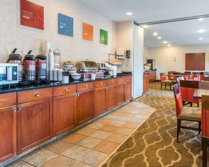 Free hot breakfast   Comfort Inn North - Air Force Academy Area