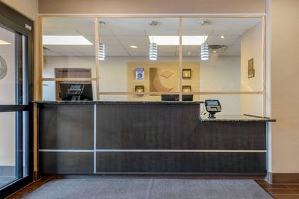 Front desk | Comfort Suites Highlands Ranch Denver Tech Center Area