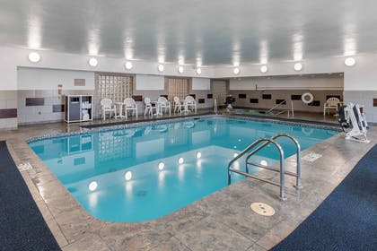 Indoor pool with hot tub | Comfort Suites Denver Tech Center