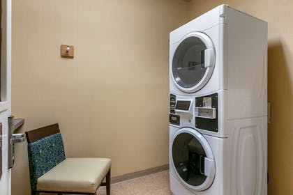 Guest laundry facilities | Comfort Inn Fort Collins North