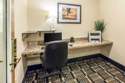 Business center | Quality Inn & Suites Summit County