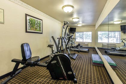 Exercise room | Quality Inn & Suites Summit County