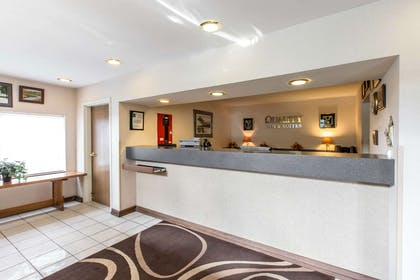 Front desk | Quality Inn & Suites Summit County