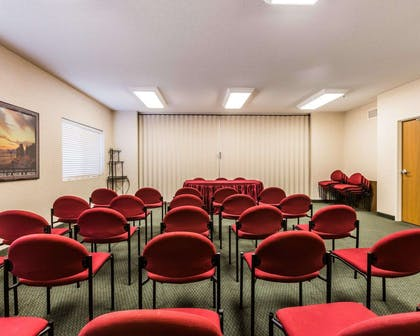 Conference room | Quality Inn And Suites