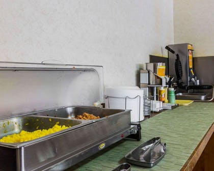 Hot and cold breakfast buffet | Quality Inn And Suites
