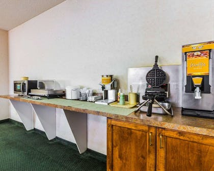 Free breakfast with waffles | Quality Inn And Suites