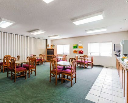 Breakfast room | Quality Inn And Suites