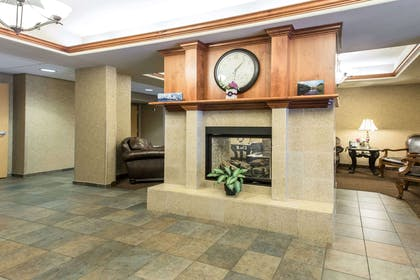 Lobby | Glenwood Suites, an Ascend Hotel Collection Member