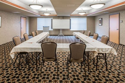 Meeting room | Glenwood Suites, an Ascend Hotel Collection Member
